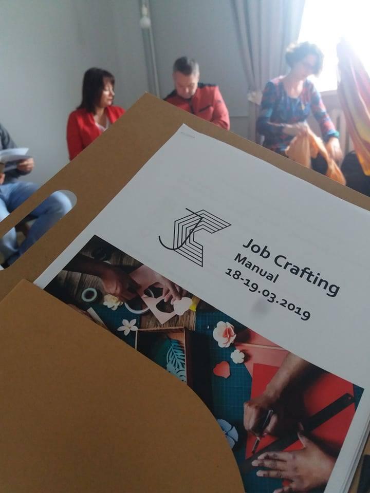 zdjęcie manuala z warsztatów manual Facylitator Job Crafting